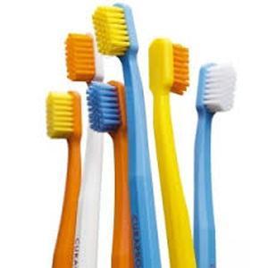 Curaprox CS 5460 četkica za zube
